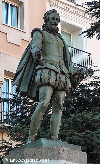 Monumento a Cervantes. Escultura neoclásica de Antonio Solá