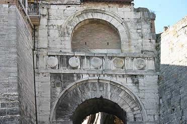 Puerta etrusca, Perugia