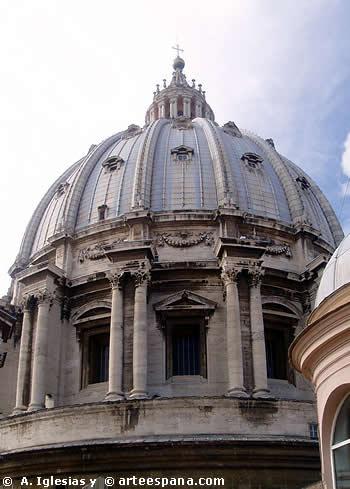 Cúpula de San Pedro del Vaticano. Obra proyectada por Bramante y rematad por Miguel Ángel