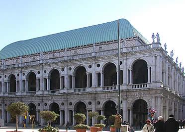 'Palazzo della Ragione o Basílica Palladina, en Vicenza' from the web at 'http://www.arteespana.com/imagenes/palladio-basilica.jpg'