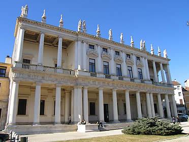 'Vicenza: Palazzo Chiericati' from the web at 'http://www.arteespana.com/imagenes/palladio-palazzochiericati.jpg'