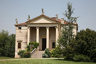 'Fachada principal de la Villa Chiericati' from the web at 'http://www.arteespana.com/imagenes/palladio-villachiericati.jpg'