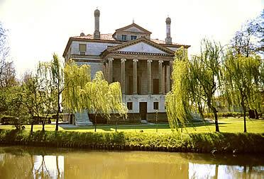 """'VUna de las 24 villas palladianas: Villa Foscari """"La Malcontenta""""' from the web at 'http://www.arteespana.com/imagenes/palladio-villafoscari.jpg'"""