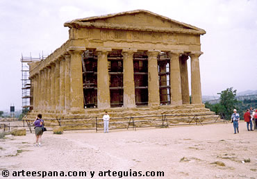 Arquitectura Griega. templo dórico en Sicilia